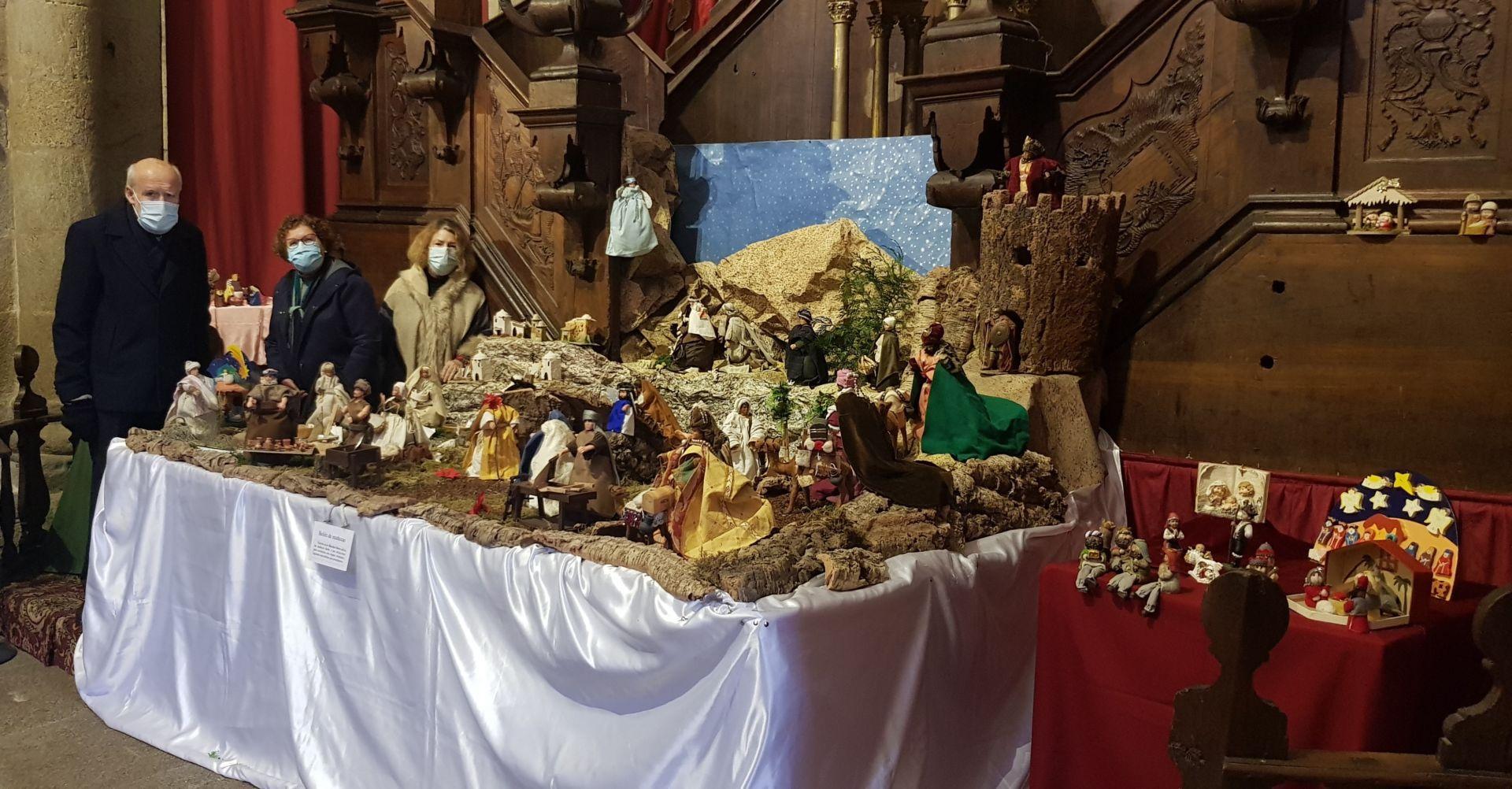 """Exposición """"Belenes del mundo"""" en la Catedral de Tui, organizada por la Asociación de Amigos de la Catedral de Tui."""